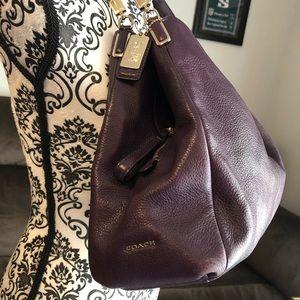 💜Coach💜 medium hobo pebble leather